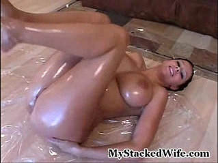 gianna michaels - oiled up